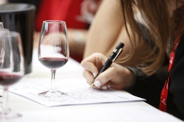 IWSC Masterclasses at the 36th London Wine Fair